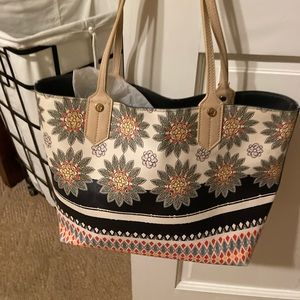 Spartina hand bag with matching wristlet. Like new